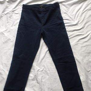 High waited jeans with crop tank